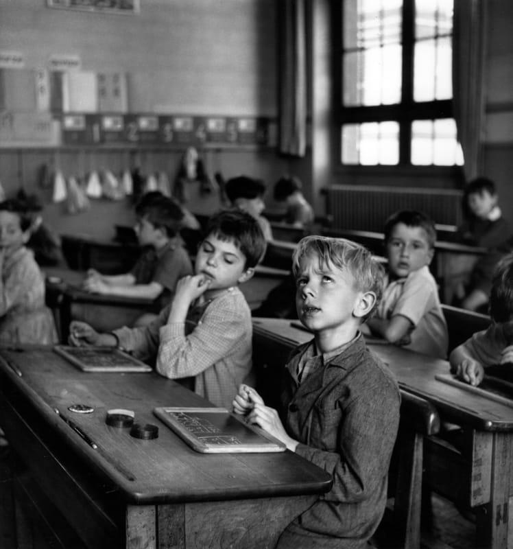 Robert Doisneau, L'information scolaire, Paris 1956 © Atelier Robert Doisneau