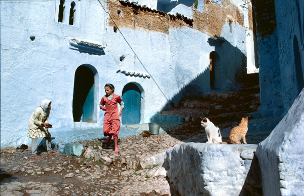 Bruno Barbey, MOROCCO. Chechaouen. 1985. The walls of the old city.