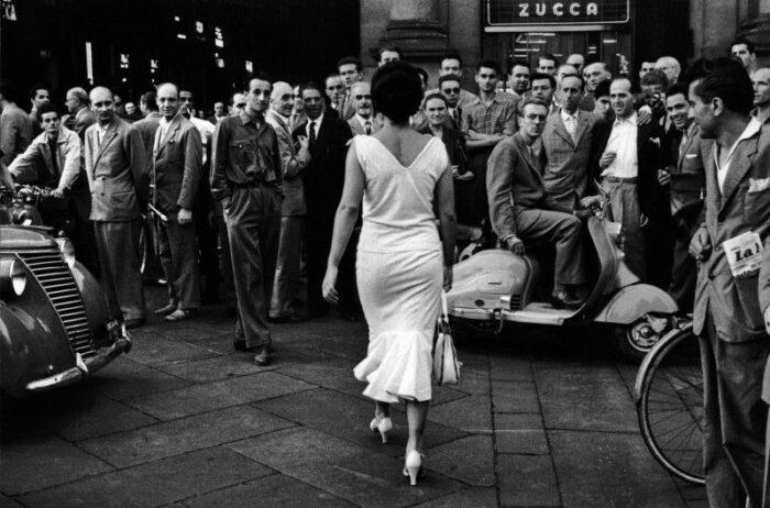 © Mario De Biasi - Gli italiani si voltano, Milano, 1954